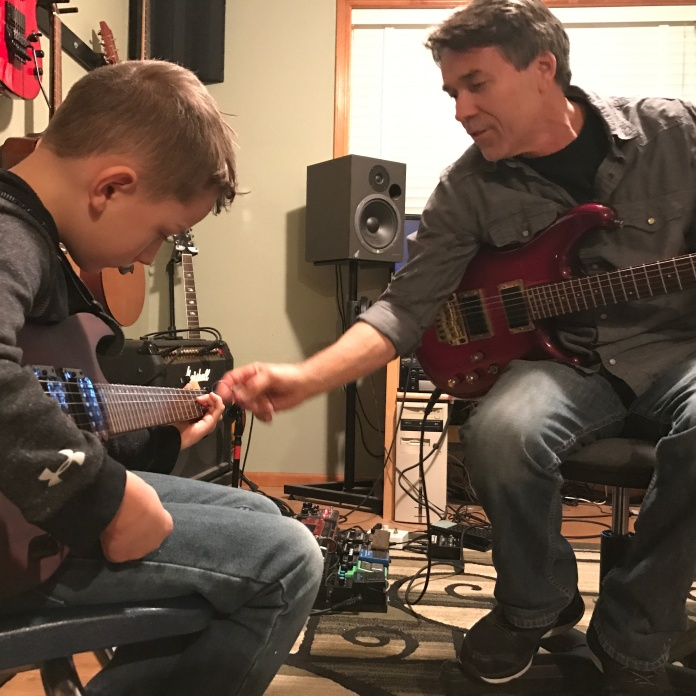 Beginner and advanced guitar lessons